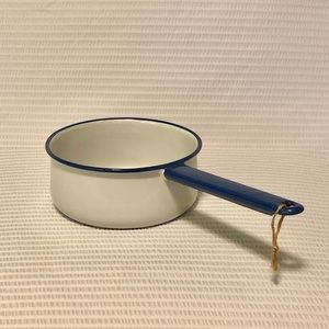 Vintage Kitchen - Vintage Porcelain Enameled Sauce Pan